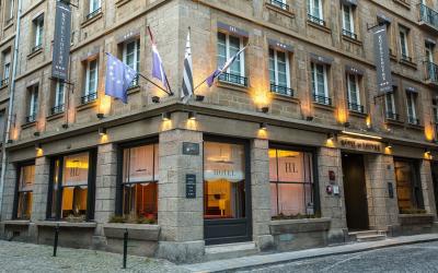 Hotel intra muros
